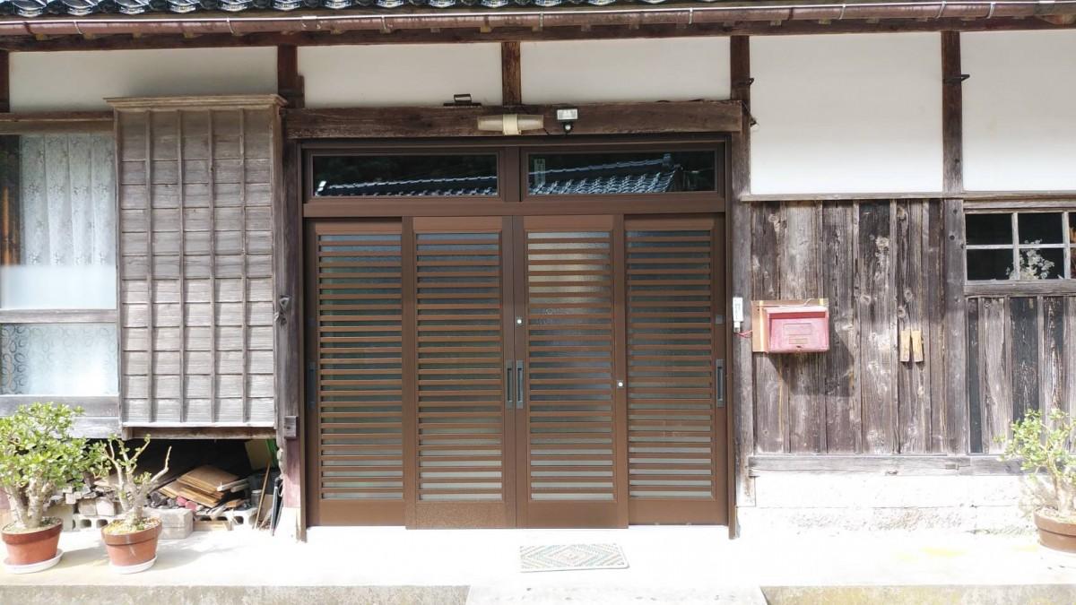 玄関引戸リフォーム施工事例/能登町