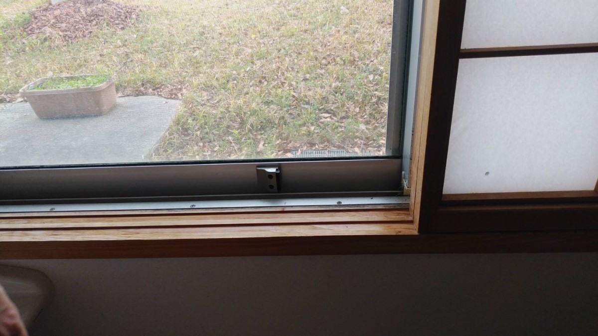 窓用ストッパー施工事例/能登町